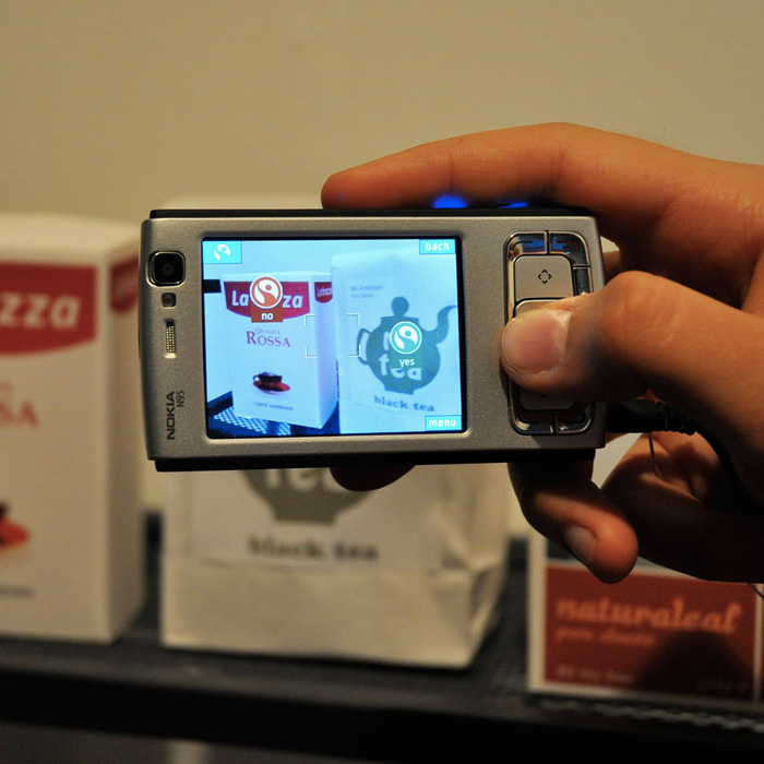 Food Tracer augmented reality mobile app that visualizes information about food